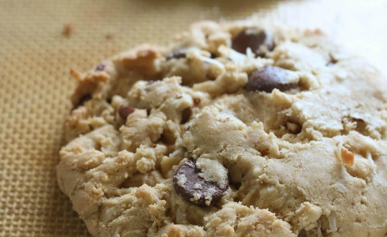 Biskuit Cokelat Kelapa Pecan 3