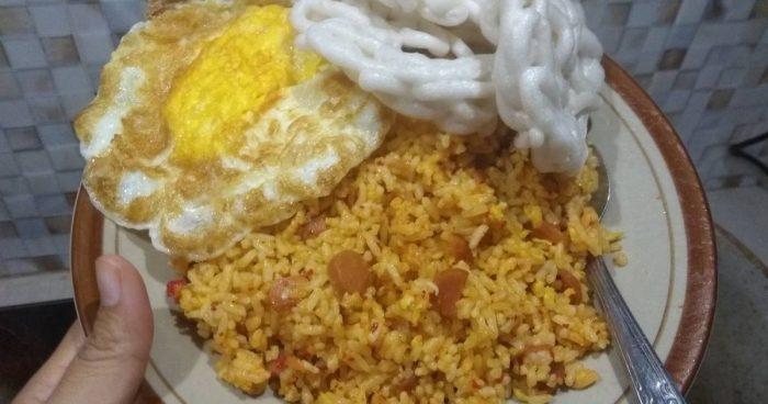 Memasak Nasi goreng Rumahan dengan cepat dan enak